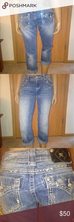 """Miss Me Capri Jeans Miss Me Capri Jeans. Size 28, easy fit. 23"""" inseam. Super comfy jeans. Gently used. Three of four rivets missing from Miss Me tag, otherwise in great condition. I'd keep them but they are too big on me now!! Miss Me Jeans Ankle & Cropped"""