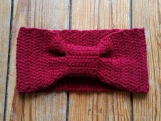 Flowers and feathers … 2015 10 DIY headband hooks Source by emelyverte Headband Pattern, Diy Headband, Headbands, Knitting Patterns, Crochet Patterns, African Flowers, Crochet For Beginners, Crochet Projects, Scarf Wrap