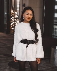 Oversized sweaters are winter's mini dress White Sweater Dress, Sweater Dress Outfit, Dress Outfits, Dresses, Oversized Sweaters, White Sweaters, Lace Skirt, Personal Style, My Style