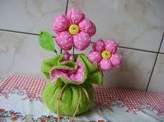 Resultado de imagem para flor de fuxico com enchimento passo a passo