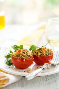 Bon appétit ! Tomates à la Provençale Valérie Virorello-Jamili Nombre de personnes : 410 minPréparation : 20 minCuisson : 30 minTemps Total : Save Recipe Print Recipe Ingrédients à prévoir8 tomates,4 gousses d'ail,1 bouquet de persil,huile d'olive Préparation de la recette Couper les tomates en deux, et retirer les graines. Les faire rissoler en …