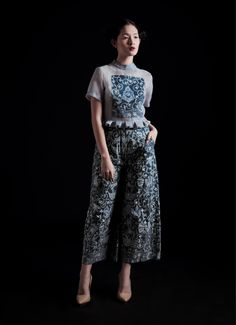 Maximize your luxury style with this Indigo Culotte from Amanda Hartanto Batik. Made with an authentic writing batik techniques with natural indigo dyed that form a Buketan motif, this cullote is perfect for both casual and formal occasion. Wear it along with your blouse collections and grab a high heels to wrap up the fabulous look any time. The estimated delivery period is 10-14 working days after the order date