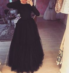 Hijab Evening Dress, Hijab Dress Party, Hijab Wedding Dresses, Pakistani Bridal Dresses, Evening Dresses, Hijab Mode Inspiration, Hijab Stile, Cute Skirt Outfits, Muslim Women Fashion