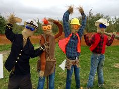 Village People Scarecrows - All For Garden Halloween Party Decor, Holidays Halloween, Diy Party Decorations, Halloween Crafts, Halloween Stuff, Halloween Makeup, Scarecrow Festival, Halloween Scarecrow, Scarecrow Ideas