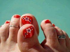 Uñas decoradas de los pies cin flores