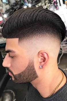When it comes to hairstyles for men, it is not only about trends, but also about comfort. let's discover a photo gallery where you can pick a trendy and comfortable short hairstyle to look super cool and handsome. #menhairstyle