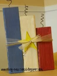 I know the site Chicy Creations calls this a of July Wood Crafts: flag and fireworks. However, I believe that the yellow star makes it more Acadian than American Patriotic Crafts, July Crafts, Patriotic Decorations, Summer Crafts, Holiday Crafts, Patriotic Room, Kid Crafts, Holiday Fun, Holiday Ideas
