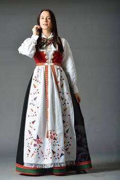 Aust-Agder Åmlibunad Character Design Inspiration, Fantasy Inspiration, Folk Costume, Costumes, Norwegian Clothing, Hardanger Embroidery, Traditional Dresses, Norway, Damask
