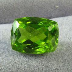 4.85ct Large AAA Collector ARIZONA Peridot Gemstone CUSHION 10.5x8mm Gem #JewelsRoughGems
