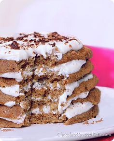 Tiramisu Pancakes High in protein. Low in calories. With a sugar-free option. It tastes like eating dessert for breakfast! Clean Eating Breakfast, What's For Breakfast, Breakfast Recipes, Dessert Recipes, Vegan Breakfast, Tiramisu Pancakes, Vegan Tiramisu, Crepes, Low Sugar Diet