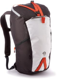 Suitable for long rock-climbing routes, the compact Mountain Hardwear Hueco 20 pack features durable materials with a no-fuss layout. #REIGifts