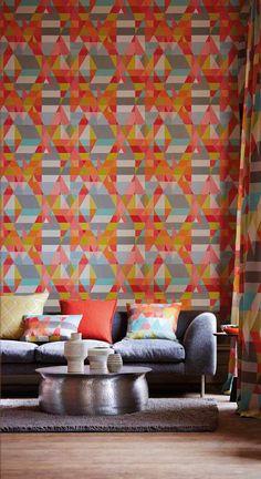Inspirerande vardagsrum med tapet från kollektionen Wabi Sabi 110836. Klicka för att se fler fina tapeter för ditt hem!