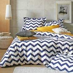 Housse de couette coton rayures CHEVRON  Blanc / bleu- Vue 1 Awesome Bedrooms, Bedroom Inspo, Bed Spreads, Home Decor Inspiration, Bed Sheets, Home And Living, Bedding Sets, Home Furnishings, Duvet Covers