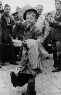 Lulek (Yisrael Meir) Lau, 8 year old child orphan, one of the youngest survivors of Buchenwald concentration camp - 1945 Pearl Harbor, Buchenwald Concentration Camp, Virtual Memory, Bergen, Religion, Holocaust Survivors, Orphan, Vintage Photographs, Fotografia