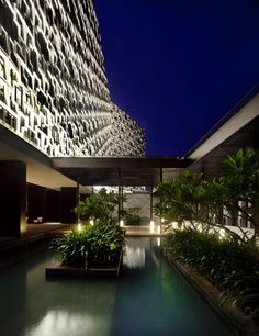 Completed in 2011 in Sanya, China. Images by Patrick Bingham Hall. © Patrick Bingham-Hall The Intercontinental Sanya Resort is in Sanya, Hainan, China's tropical island and comprises of a hotel with 350 rooms and. China Architecture, Landscape Architecture, Architecture Design, Sanya, Modern Landscaping, Outdoor Landscaping, Landscape Lighting Design, Facade Lighting, Cool House Designs