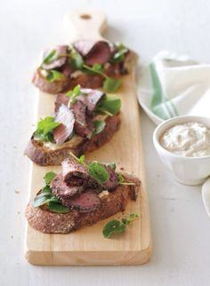 open face steak sandwiches w/ shallot thyme aioli