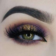 Maquillaje de ojos morado café y dorado, delineado de cejas.
