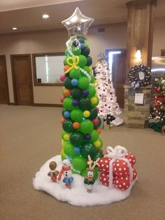 Balloon Christmas Tree. #transformationsfacepainting