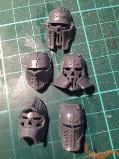 Not sure I'll do another knight, but if I do. Warhammer 40k Space Wolves, Warhammer 40k Figures, Warhammer Models, Warhammer 40k Miniatures, Warhammer 40000, Warhammer Tabletop, Blood Bowl Miniatures, Knight Models, Imperial Knight