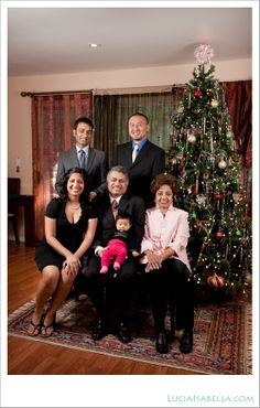 holiday family portraits at home  ...