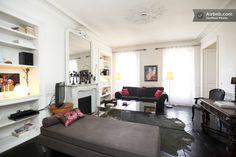 LE MARAIS LuxuryApartment 4 guests in Paris דירה יפה במיקום מצוין ,קומה רביעית עם מעלית