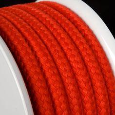 CUERDA POLIÉSTER ROJO - Gama de cuerdas de poliéster de 5 colores y 3 grosores apropiadas para aplicaciones tales como manualidades, joyería, amarres ligeros, ... Ligers, Ropes, Diy, Red, Colors, Manualidades