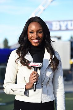 Meet your Tall Sister, Maria, who's an anchor for the ESPN and SEC network! 'Meet Your Tall Sisters' Maria Taylor | The Tall Society