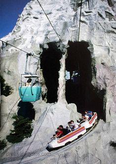 Disneyland, Anaheim,California: A vintage shot of the Skyway Buckets going through the Matterhorn! Disney Parks, Disney Rides, Walt Disney World, Disneyland Rides, Disneyland Opening, Disneyland Photos, Disney Resorts, Retro Disney, Disney Love