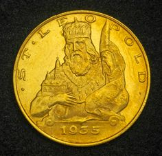 Austrian 25 Schilling Gold Coins of 1935. Austrian Twenty-Five schillings were issued in gold from 1926 to 1938.