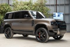 New Land Rover Defender, New Defender, Landrover Defender, Matte Cars, 4x4, Jeep Wrangler Rubicon, Suv Cars, Hot Rides, House On Wheels