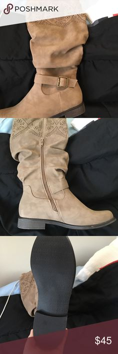 Brand new in box ! I bought the wrong size & dont want to deal with the return process.      Only tried on after they came in the mail, way to big.    Size 9.5 I'm personally a 9 would fit a 10 with a little toe space ! Shoes