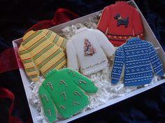 Ugly sweaters cookie sets by Custom Cookies - Christmas dessert ideas - Christmas Sugar Cookies, Christmas Sweets, Holiday Cookies, Christmas Baking, Xmas, Iced Cookies, Cute Cookies, Royal Icing Cookies, Cookies Et Biscuits