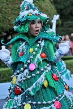 Disney Christmas Stories Christmas Tree Costume, Disney Costumes, Christmas Costumes, Diy Elf Costume, Circus Costume, Disney Christmas, A Christmas Story, Vintage Christmas, Xmas Theme