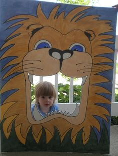 A mom made this cool Lion head cut out and shared it on 'Made with Love' > http://www.angeliquefelix.com/blog/salt-creations-zoute-creaties-made-with-love