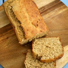 Made from ground peanuts with some of the fat removed, peanut flour is gluten-free and high in protein and fiber. Use it in sauces and desserts. Peanut Sauce Stir Fry, Vegan Peanut Sauce, Peanut Butter Desserts, Healthy Peanut Butter, Protein Bread, Protein Bites, Vegan Protein, Healthy Chocolate Smoothie, Flours Banana Bread