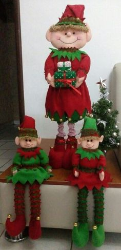 Duendecillos Christmas Centerpieces, Diy Christmas Ornaments, Holidays And Events, Christmas Holidays, Snowman, Diy Crafts, Holiday Decor, Elf On The Shelf, Projects