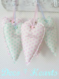 Corazón decorativo. Shabby Chic colgante corazón. por PeriDotbyDuni, $18.00