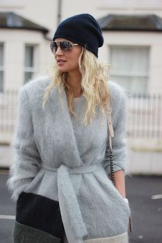 Fluffy cardigan, bag and hat. Top 20 fashion ideas to wear this winter.