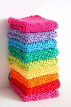 Rainbow dishclothes! The pattern is 'Grandmother's Favorite' from Ravelry: http://www.ravelry.com/patterns/library/grandmothers-favorite #knit