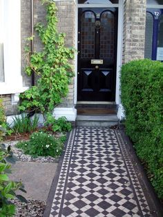 Porches Victorian Front Door Stairs 33 Ideas If you want to get created you can cut, paste, and add Front Path, Victorian Front Garden, Victorian Front Doors, Victorian Terrace, Porch Tile, Victorian Porch, Victorian Homes, Front Garden Design, House Front