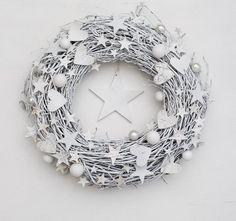 Pinterest Wreath Inspiration white DecoBazaar Botanika Studio