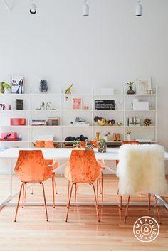 Te traemos el nuevo objeto de deseo de esta temporada, las sillas de cobre. #furniture #trends #Deco
