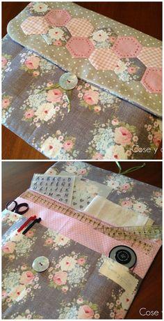 Me encanta!I hope it has a translation.or English version. Sewing Case, Sewing Box, Sewing Kits, Sewing Tutorials, Sewing Hacks, Fabric Crafts, Sewing Crafts, Quilt Patterns, Sewing Patterns