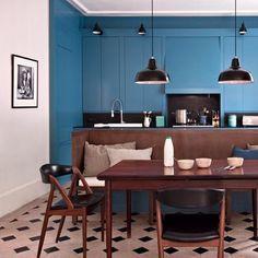 Une cuisine bleue structurée http://decdesignecasa.blogspot.it