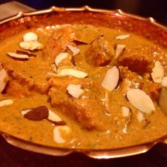 skinnymixer's Butter Chicken Ingredients 700 g chicken breast, large chunks 150 g almonds, raw 300 g cream 50 g raw honey Bunch of chopped coriander Marinade:- ½ tbsp salt ¼-½ tsp chilli powder 1 tbsp garam masala 1 tsp tandoori colouring OR ¼ tsp red food colouring and 2 drops of yellow food colouring** 10 g ginger 1 …