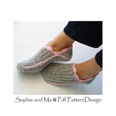 POCKET SOCKS    **This listing is for a CROCHET PATTERN. You are not buying a finished product! INSTANT DOWNLOAD PDF**    This must be the most