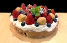 milă Cake, Desserts, Fine Dining, Rome, Tailgate Desserts, Deserts, Food Cakes, Cakes, Postres