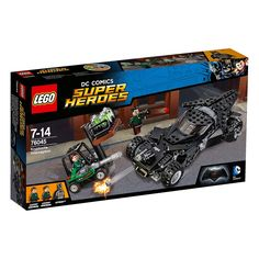 """Acompanha o Batman até às docas, onde os homens da confiança do LexCorp estão muito atarefados a guardar a """"Kryptonite"""". Dispara os canhões do Batmóvel e protege-te dos mísseis da empilhadora. Abre as portas do Batmóvel e ataca com o Batarang prateado do Batman. Explode a """"Kryptonite"""" a partir da empilhadora e escapa aos disparos da bazuca do atirador. Conseguirá o Batman fugir com a carga tóxica?"""