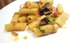 #pasta con #verdure e #spezie #curcuma #curry #paprika #ricettevegane #lunedivegano