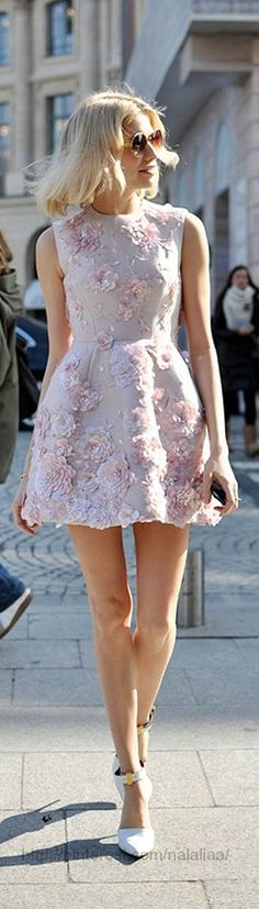 Street style - Elena Perminova (=) floral dress